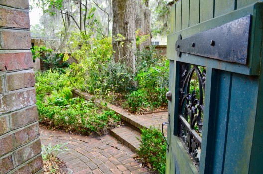 Jessica s Courtyard thru Gate